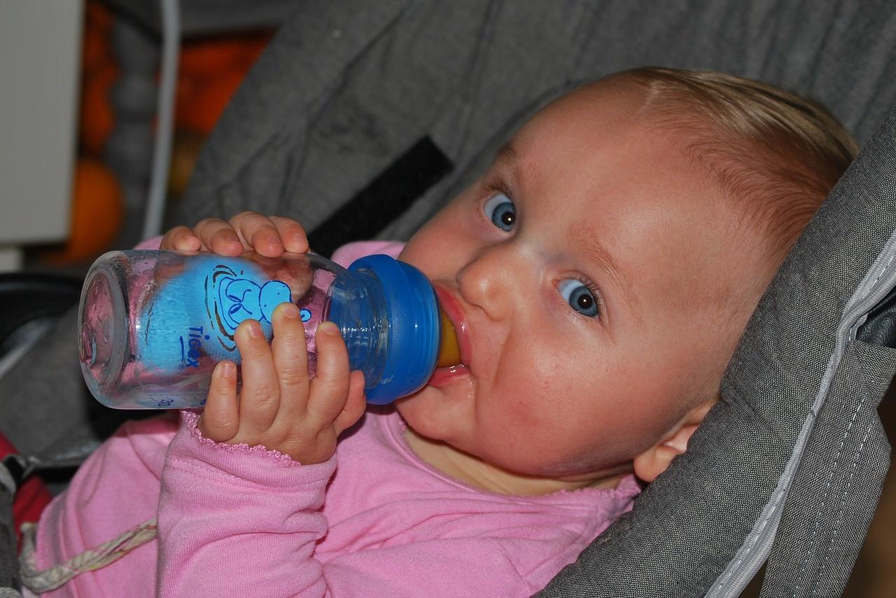 woda-dla-dziecka